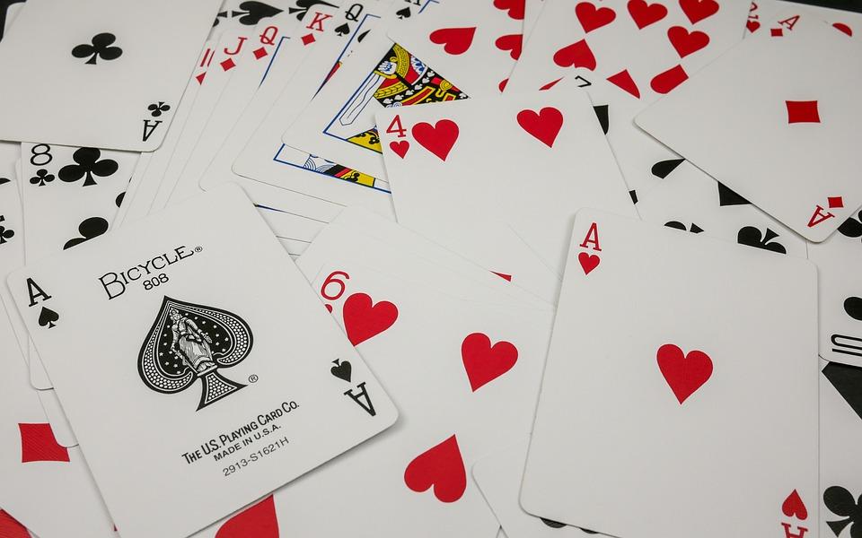 Kiat Dan Trik Menang Bermain Poker IDN Play